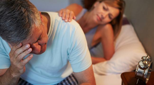 merevedés egy 45 éves férfiban okának erekciójának gyengülése