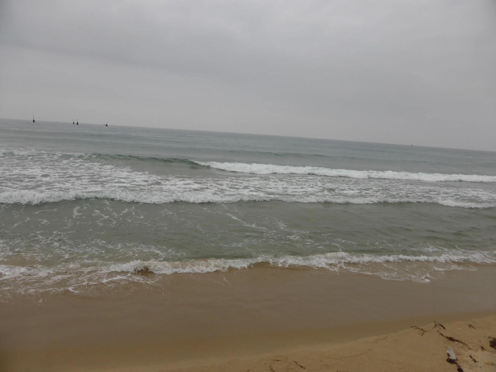 Videó: óriás pucér terhes nő a brit tengerparton