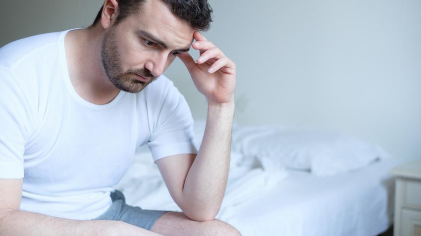 merevedés egy 45 éves férfiban gyorsan növelje az erekciót
