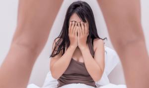 Rizikós pózok: nagy eséllyel eltörik a férfi pénisze, ha így szexel