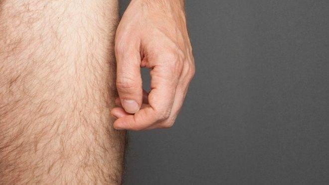 felálló pénisz mell